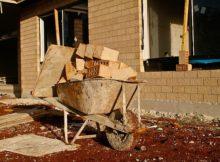 Stavbou domu svépomocí ušetříte spoustu peněz